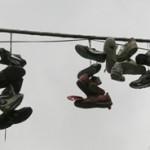 zapatillas-colgadas