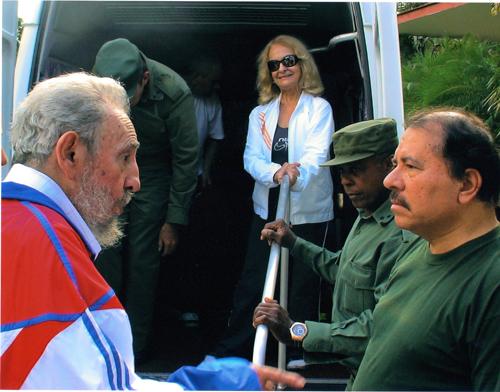 Diferendo limítrofe Nicaragua-Colombia - Página 5 Fidel-castro-daniel-ortega-2009-23