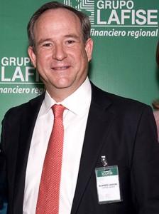 Roberto Zamora, de Lafise.