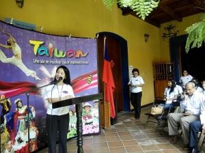 La embajadora Ingrid Hsing en la Unan-León.