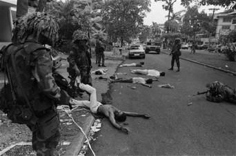 Una escena de la cruenta invasión gringa a Panamá en 1989.