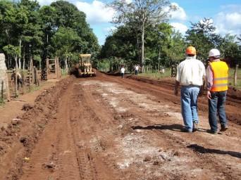 Construcción de un camino de acceso para Tumarín.