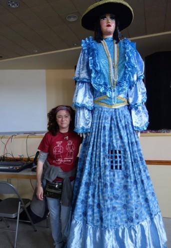 Paquita, la gigantona de Nicaragua que llamó la atención en un pueblo de Aragón, España.