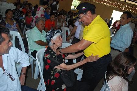Francisco López y la señorita Flérida Campos, mecenas del Hodera durante veinte años.