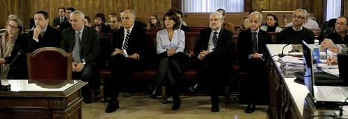 Los acusados por el desvío de fondos. Varios ya guardan cárcel.