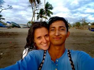 Eva Moro y Alejandro, posan en Nicaragua.
