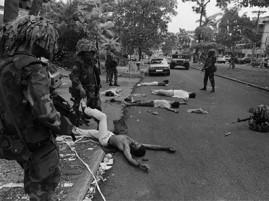 Una imagen de la invasión norteamericana a Panamá en 1989.