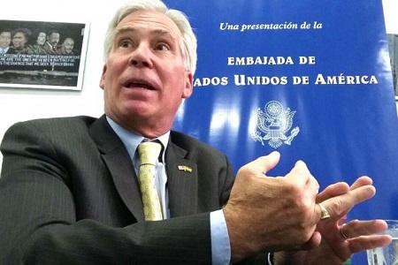 Peter Brennan es señalado como injerencista en varios países.