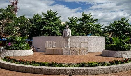 Rubén estatua en León