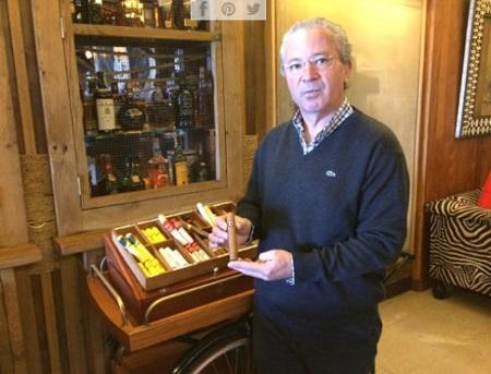 Tomás Montes, experto en puros, prefiere los de de Nicaragua.