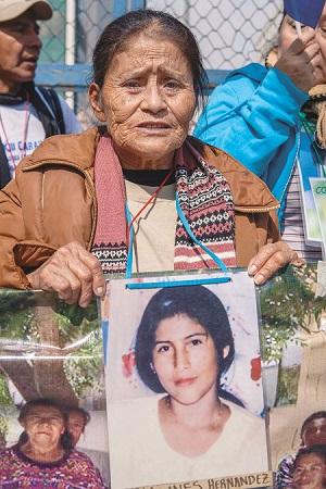 María Clementina Vázquez Hernández todavía busca a su hija María Inés Hernández, quien lleva 17 años desaparecida en México tras su salida de Honduras para dirigirse a Estados Unidos.