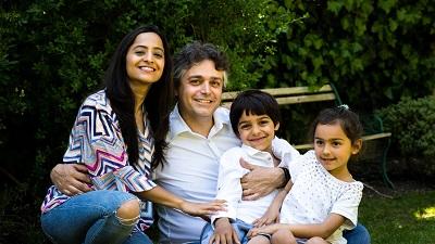 El Dr. Alessandro Giardini y su familia.